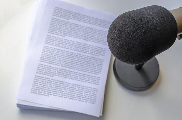 Escribir el guión para un podcast