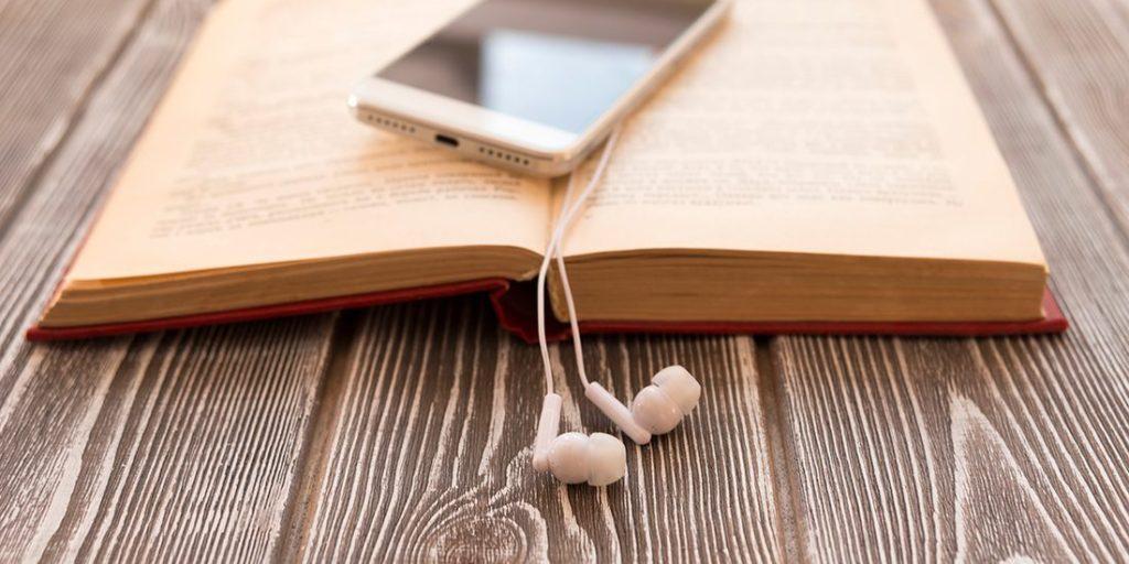 Aplica estos consejos si tienes que leer un texto para grabar un podcast