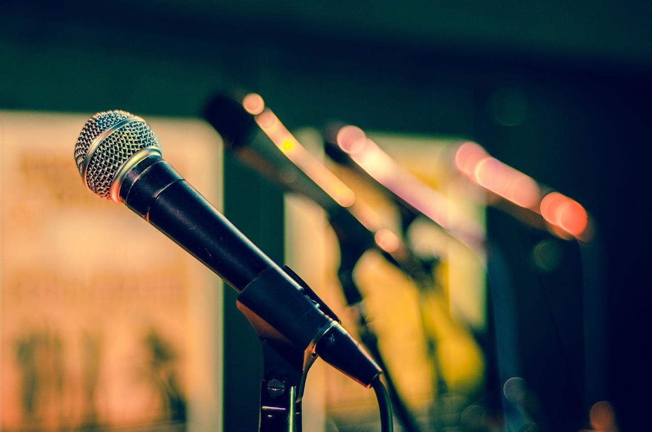 Mejores micrófonos para podcast - ABISMOfm