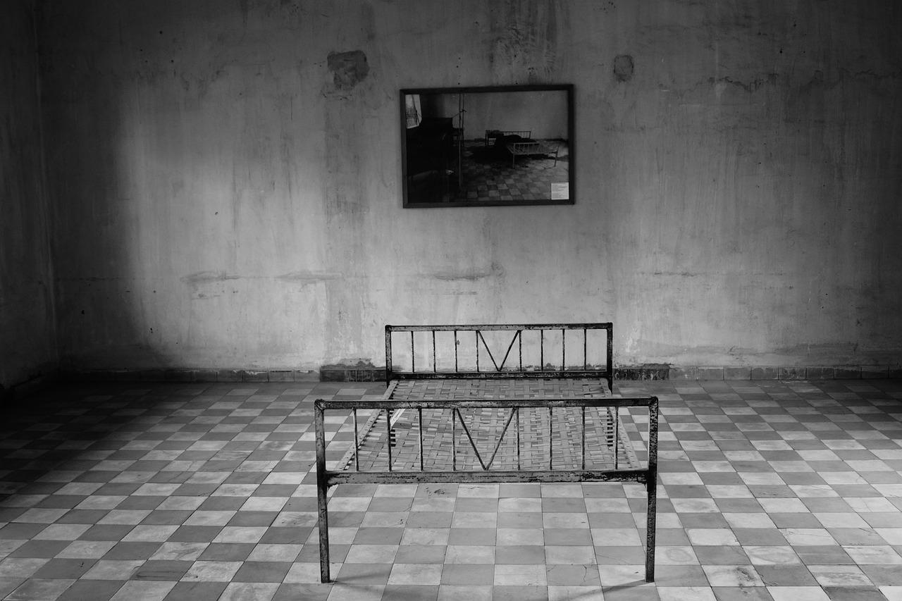 El precio del silencio. XAVI VILLANUEVA - ABISMOfm