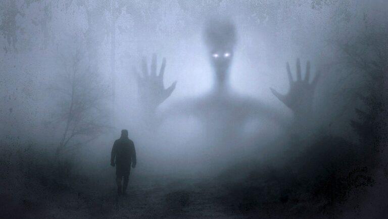 Compañía paranormal. ÓSCAR MAGADÁN